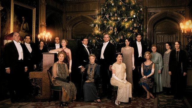 54f3cc9cebd1a8c76489fa41_downton-abbey-christmas